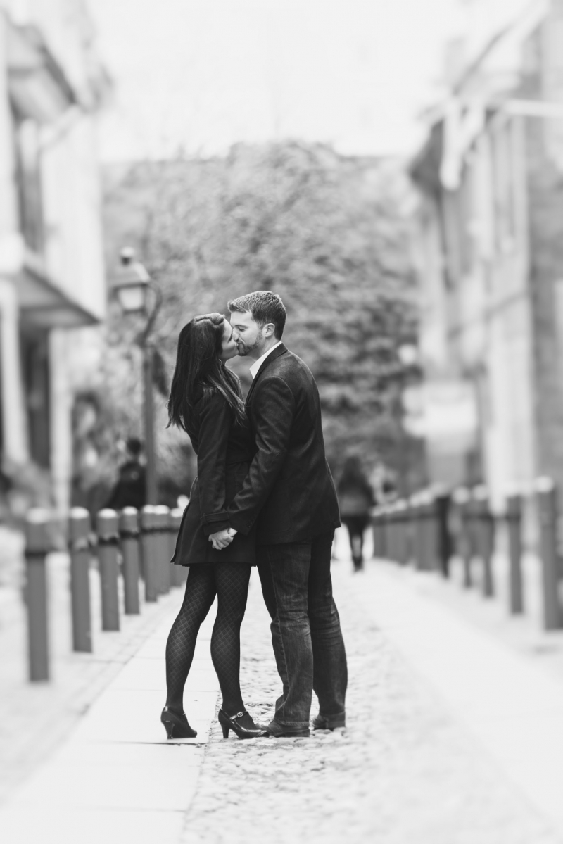 center city philadelphia engagement photographers