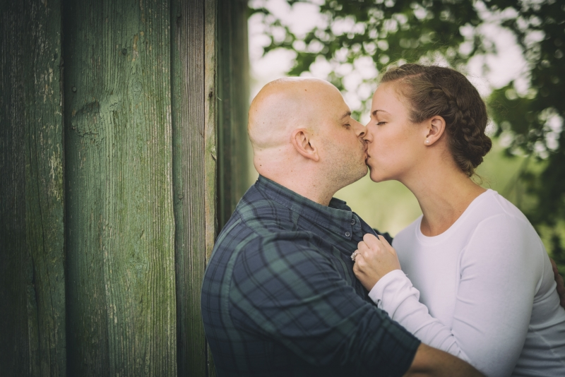 Gretchen and Alex Penns Woods Winery Pennsylvania Delaware Engagement