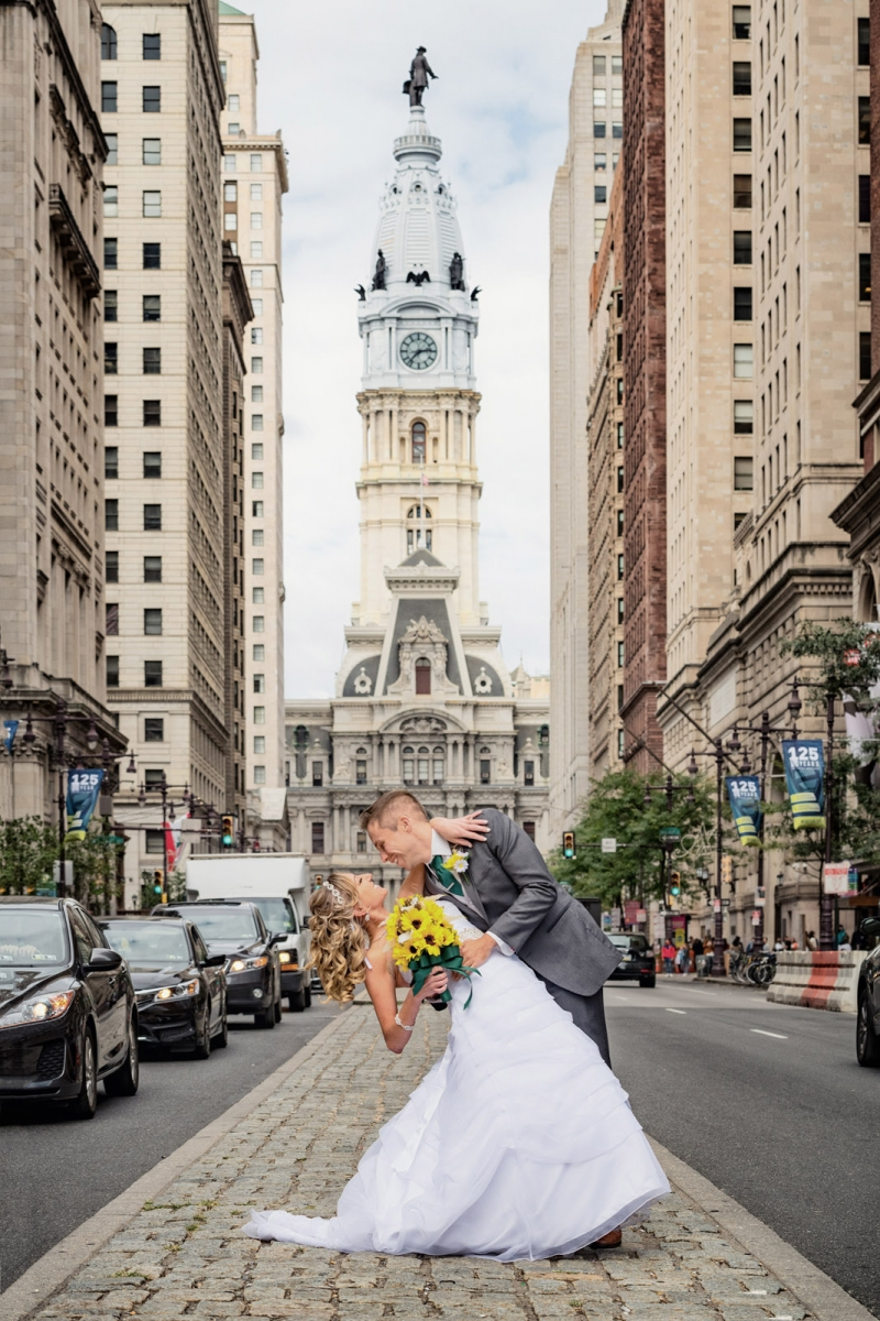 The Broad Street Philadelphia Liberty View at Independence Hall wedding of Jessie and Matt