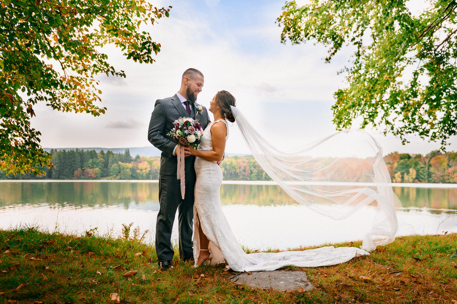 Trout Lake Wedding of Steven Samantha in the Pocono Mountains of Pennsylvania